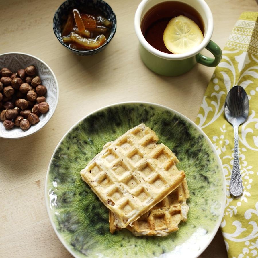 Glutensiz, sütsüz ve yumurtasız waffle ile kahvaltı 1