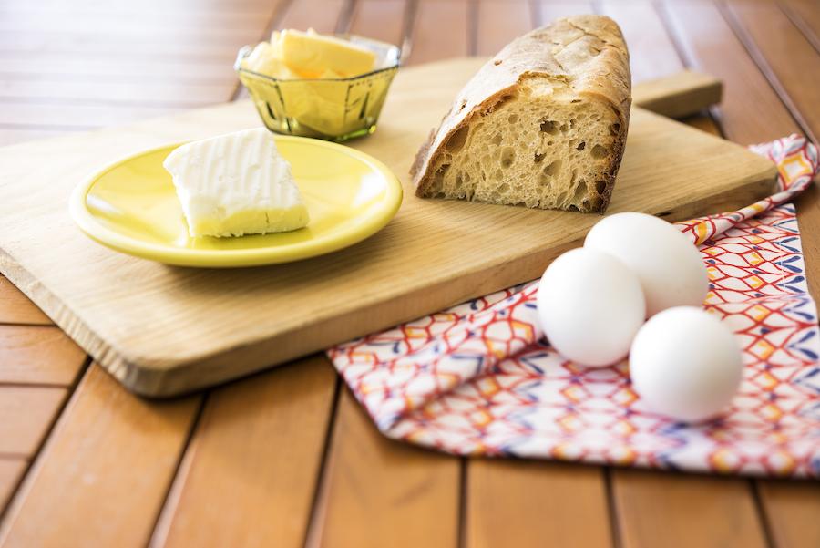 Yumurtalı peynirli ekmek 2