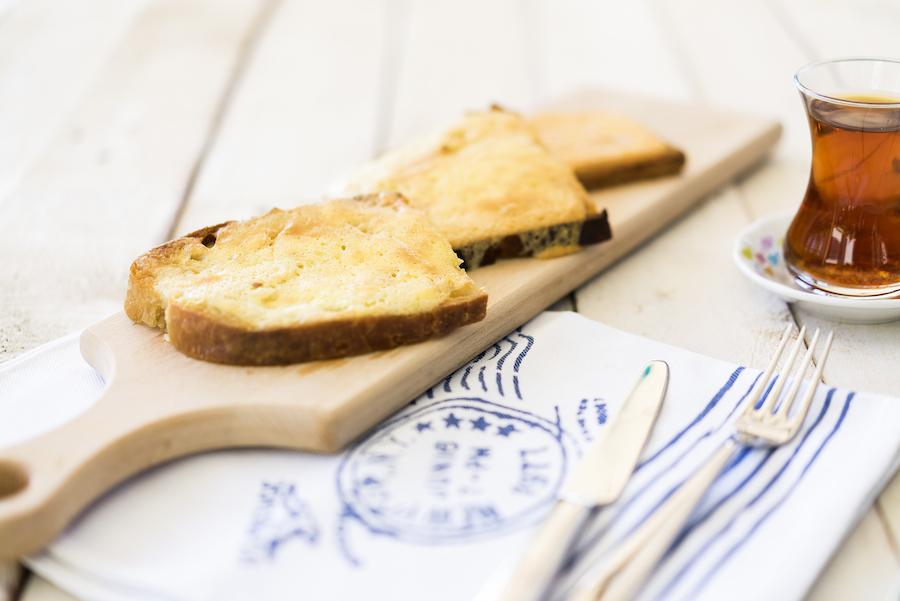 Yumurtalı peynirli ekmek 1