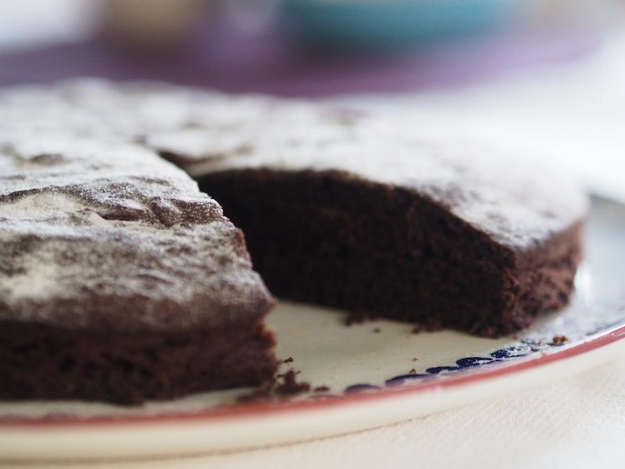 Karabuğdaylı çikolatalı kek 2