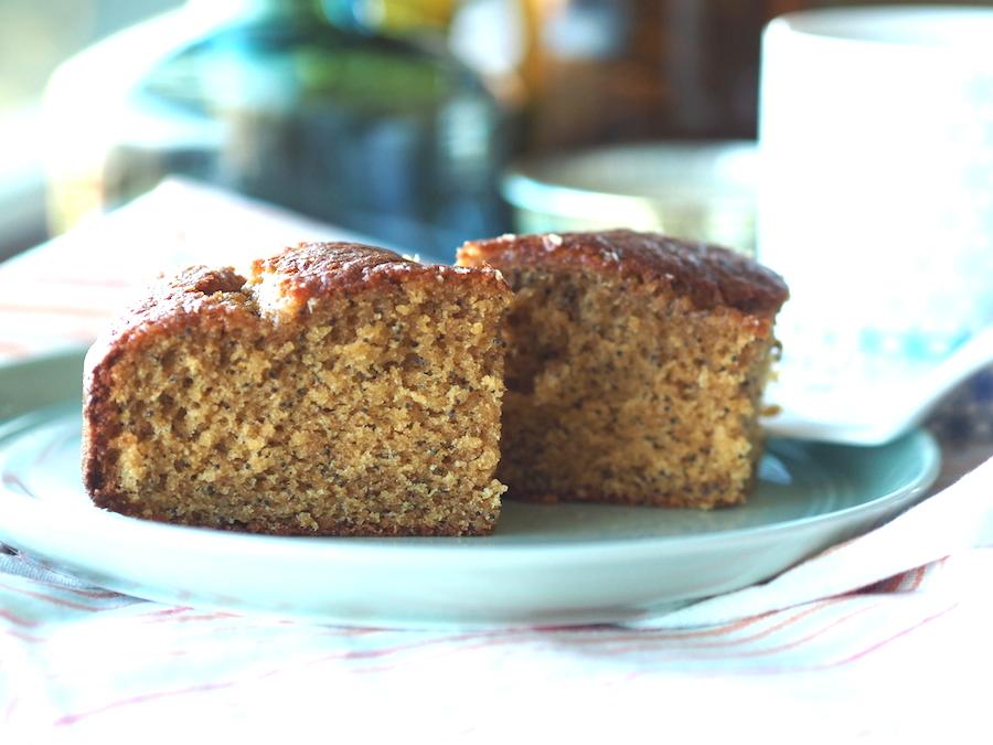 Glutensiz ve sütsüz limonlu haşhaşlı kek 2