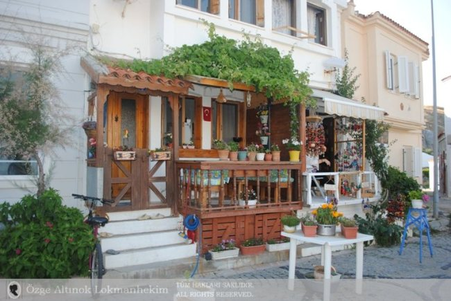 Bozcaada Dükkânlar 1