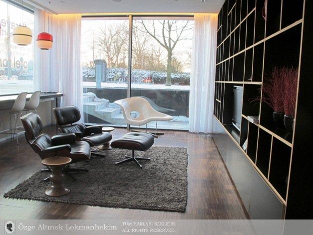 Eames Lounge 1
