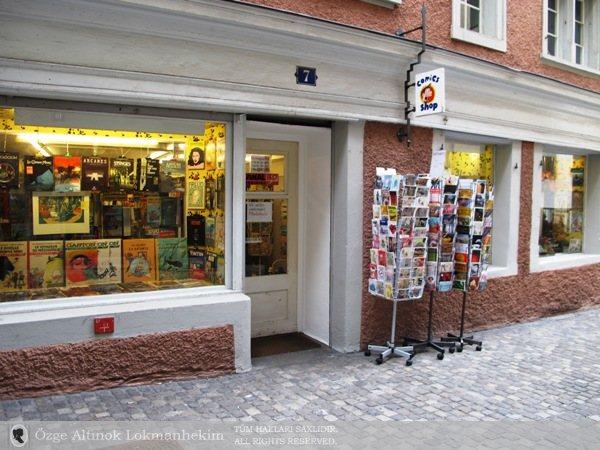 Comics Shop 1