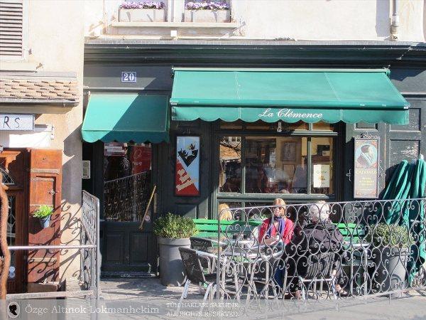 Place du Bourg de Four 2