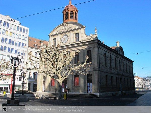 Place des Eaux-Vives 1