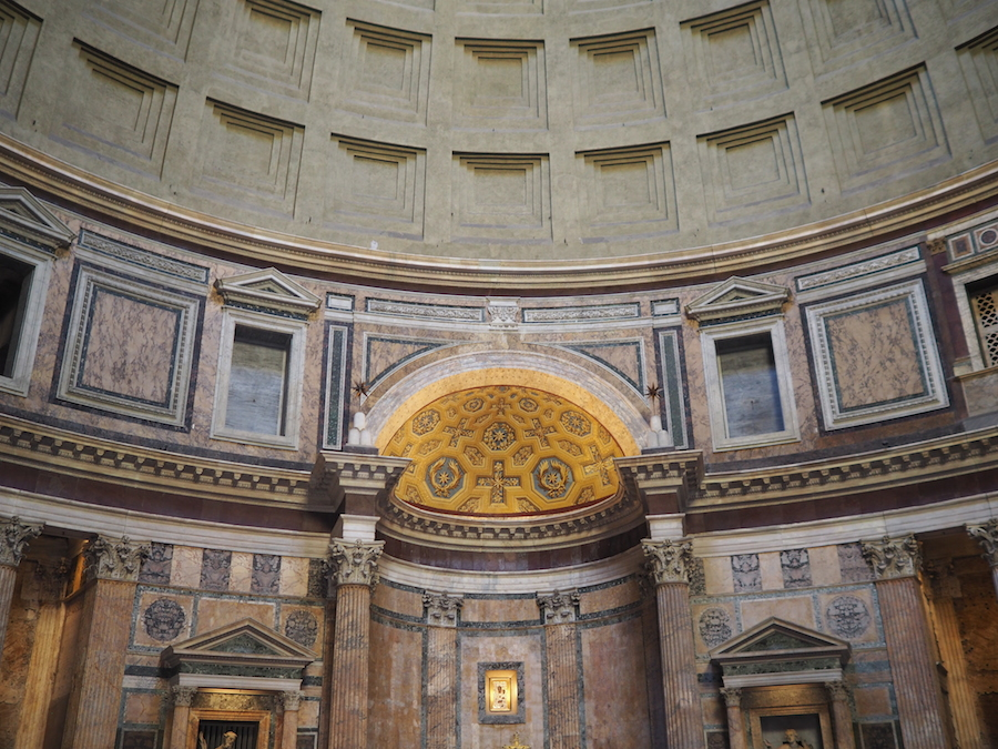 Çocukla Roma tatili Colosseum 8