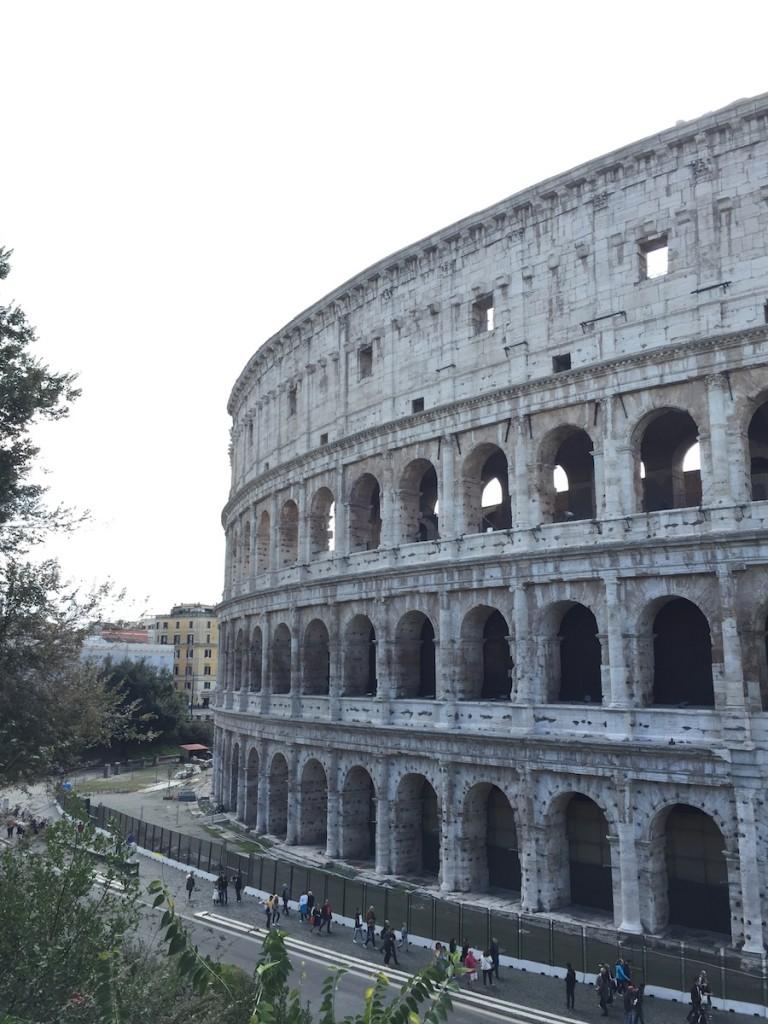 Çocukla Roma tatili Colosseum 1